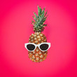canvas print picture - Pineapple Sunglasses