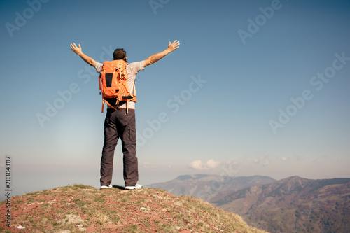 Stickers pour porte Orange eclat Hiker on a vacation