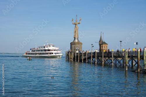 Fähre im Hafen von Konstanz