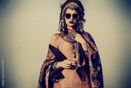 Photo sur Aluminium Gypsy magnificent fashion woman