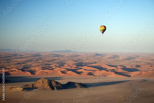 Heissluftballon, Dünenlandschaft von Sossusvlei (Namibia)