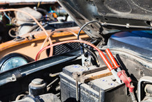 Jump Starting Old Car Battery With Another Vehicle