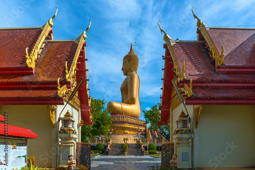 Foto op Aluminium Bedehuis Beautiful biggest Buddha Wat Pikul Thong temple is famous place for worship of the sacred travel destination at Singburi province Thailand.