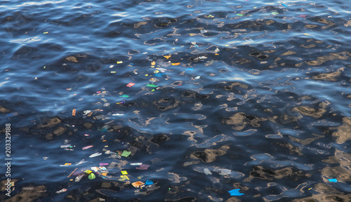Valokuva  Garbage in sea water