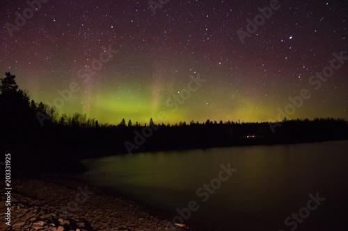 Foto auf Gartenposter Nordlicht Northern lights and Aurora over Lake Superior on the North Shore of Lake Superior in Minnesota