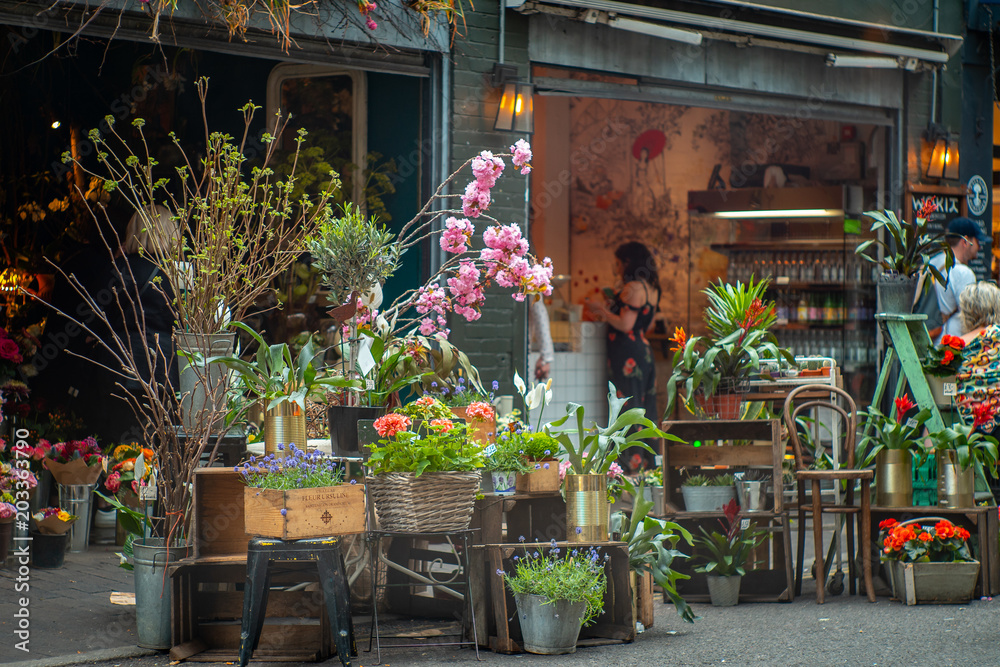 Fototapeta A florist in Borough Market-London, one of the most visited touristic places in the city