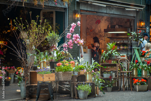 A florist in Borough Market-London, one of the most visited touristic places in Fototapete