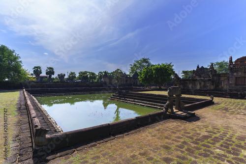 Keuken foto achterwand Beautiful Prasat Muang Tam ( lowland castle ) with reflection , Buriram Province , Thailand