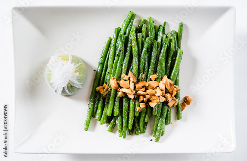 Plat cuisine roasted green beans