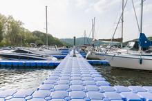 Plastic Pontoon Pier Leading T...