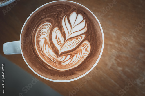 Poster de jardin Chocolat hot chocolate with latte art