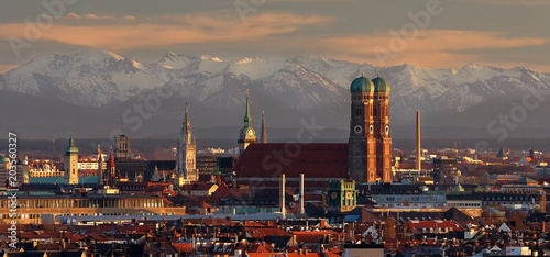 Papiers peints Alpes München bei Fön mit Blick in die bayerischen Alpen