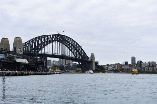 Staande foto Sydney Side view of Harbor Bridge