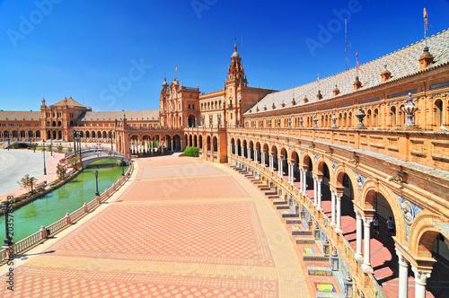 Photographie Plaza de Espana (Place d' Espagne), built between 1914 and 1928 by the architect Anibal Gonzalez, Sevilla, Andalucia, Spain