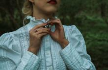 Retro Girl Dresses A Brooch