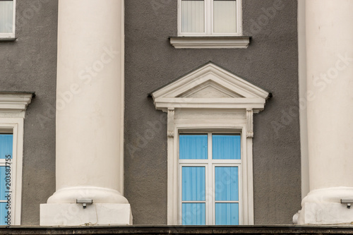 Foto op Aluminium Oude gebouw Facade of an old building with columns