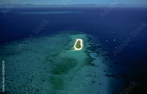 Photo Aerial of Michaelmas Cay, Great Barrier Reef