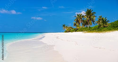 Foto auf Gartenposter Strand Beautiful tropical beach at Maldives