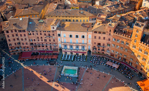 Valokuva Panoramic view on the main square of Siena, Tuscany, Italy