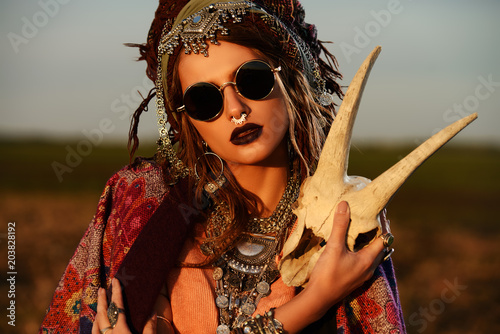 Foto auf Gartenposter Gypsy magnificent gypsy girl