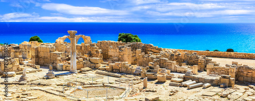 Photo Stands Historical buildings Landmarks of Cyprus island - ancient Kourion archaeological site
