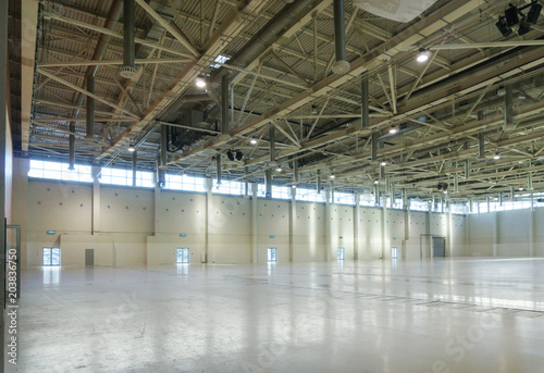 Foto op Canvas Industrial geb. Large empty space in hangar