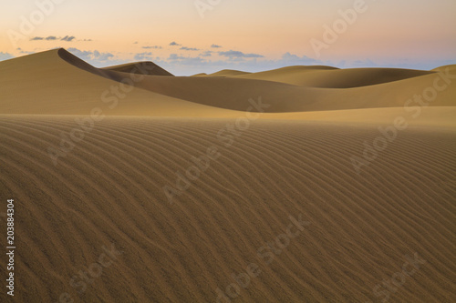 Canvas Print Rippled and smooth sand of dunes of Maspalomas in Gran Canaria.