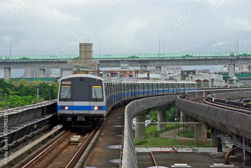 Fotografía  台北市内を走る地下鉄車両