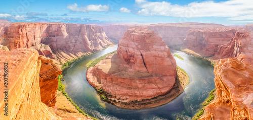 Fotografía  Horseshoe Bend of Colorado River near Page town in Arizona, United States