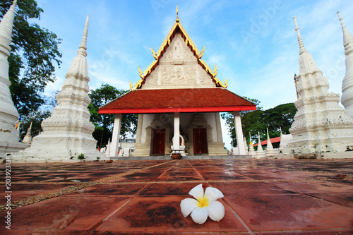 Foto op Canvas Bedehuis The ancient temple , Wat Tha Chai Siri , Phetchaburi, Thailand