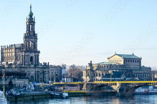 Deurstickers Theater Semperoper und Hofkirche kathedrale Augustusbrücke