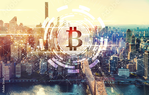Foto op Canvas Edelsteen Bitcoin with the New York City skyline near Midtown