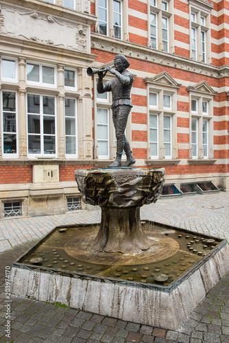 Foto op Canvas Historisch mon. Statue des Rattenfängers von Hameln in der Altstadt