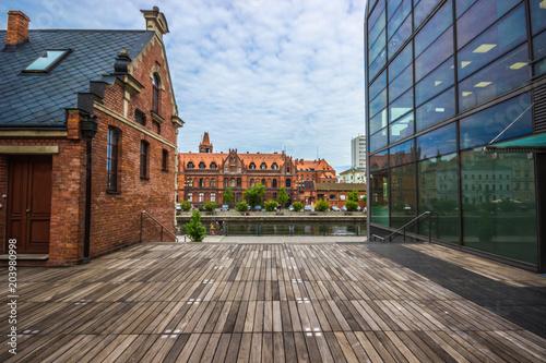 Obraz Stare miasto i nowe w Bydgoszczy - fototapety do salonu