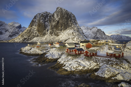 Deurstickers Noord Europa Rorbuer, cabins on stilts on the rocks of Hamnoy, Lofoten, Norway