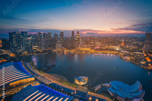 Keuken foto achterwand Stad gebouw Singapore Skyline and view of skyscrapers on Marina Bay at sunset. Vintage tone
