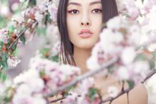 Perfect Model With Creative Vi...
