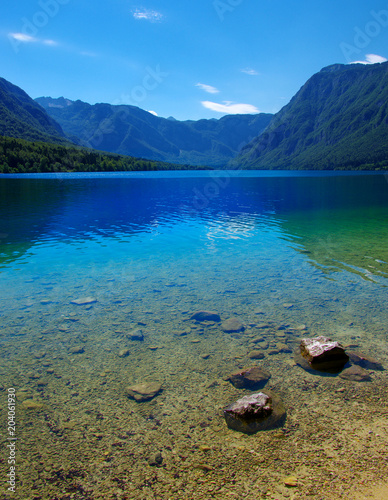 Poster Bergen Mountain lake with clear water