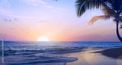 Spoed Foto op Canvas Centraal-Amerika Landen Art summer tropical vacation drims; Beautiful sunset over the tropical beach