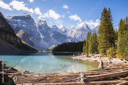 Fototapeta Moraine lake in autumn, Banff National Park, Alberta, Canada