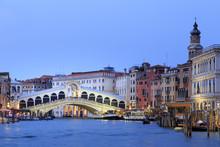 Italy, Veneto, Venice, Sestiere Of Rialto, Rialto Bridge