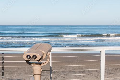 Fotografija Sightseeing binoculars overlooking the ocean on Fletcher Cove Beach Park in the city of Solana Beach, California in San Diego County