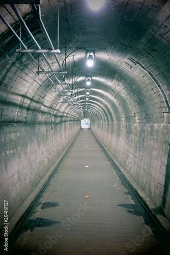 Papiers peints Tunnel 遊歩道のトンネルの風景4