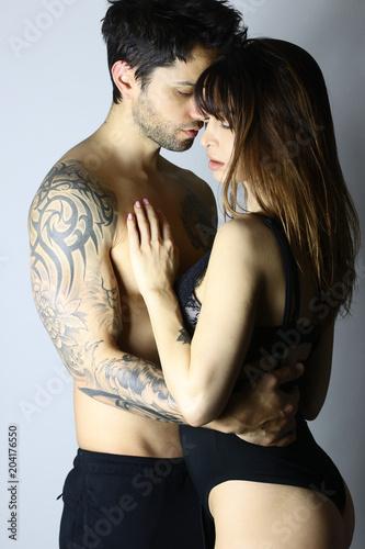 Fotografie, Obraz  Magnifique couple s' enlaçant