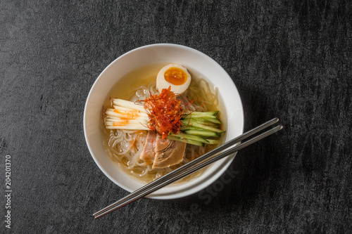 平壌冷麺 Pyongyang cold noodles