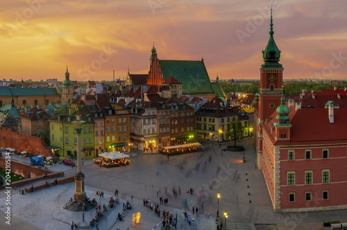 fototapeta na szkło Warsaw, Royal castle and old town at sunset
