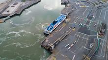 Photographie Aérienne D'un Ferry Dans Le Port De Calais, France