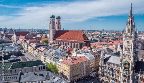 Montage in der Fensternische Europäische Regionen Stadtpanorama von München