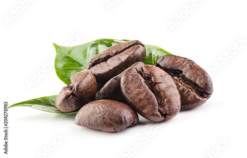 Foto op Plexiglas koffiebar Coffee beans isolated on white background with clipping path
