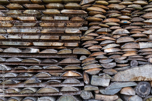Keuken foto achterwand Brandhout textuur Spruce wood in the background. Firewood stack.